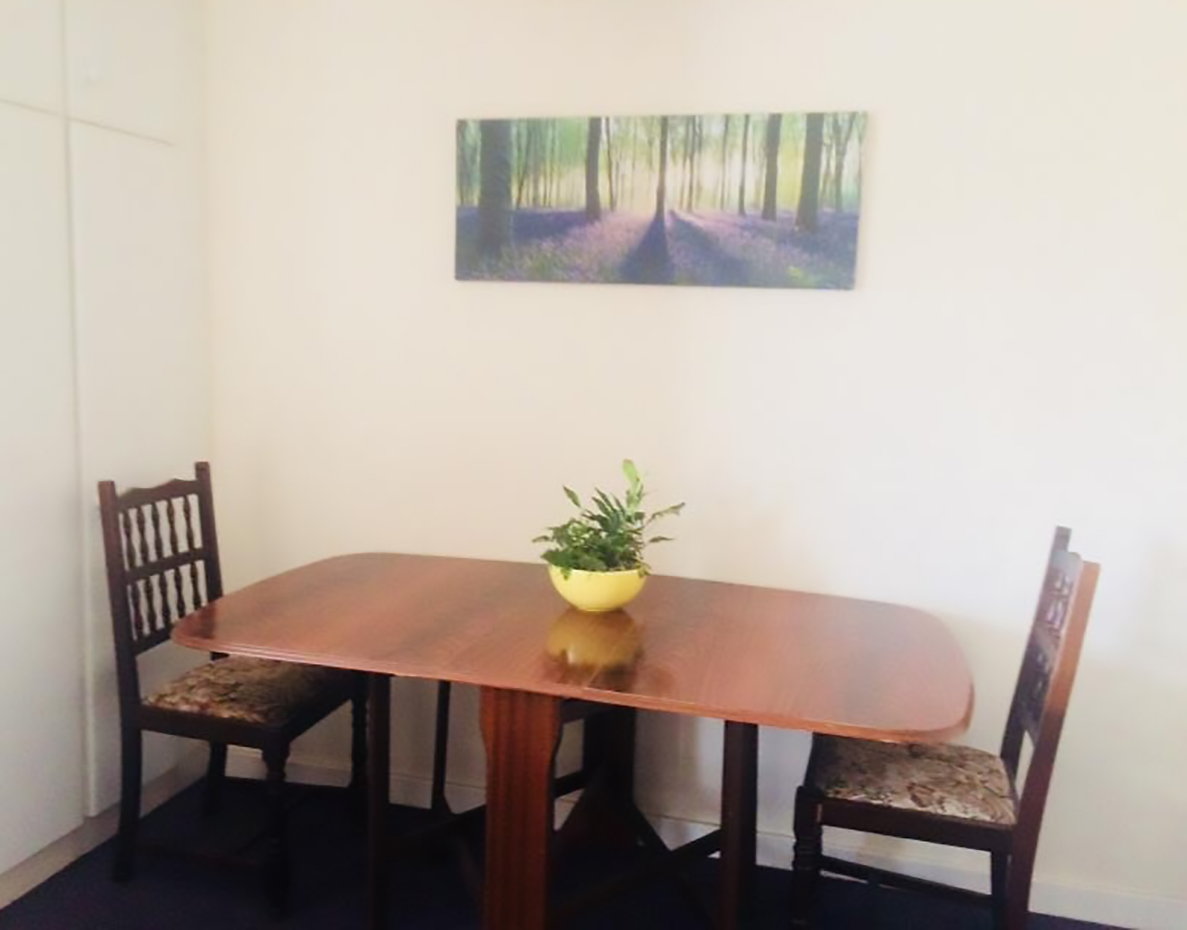 Dining area in lounge/diner