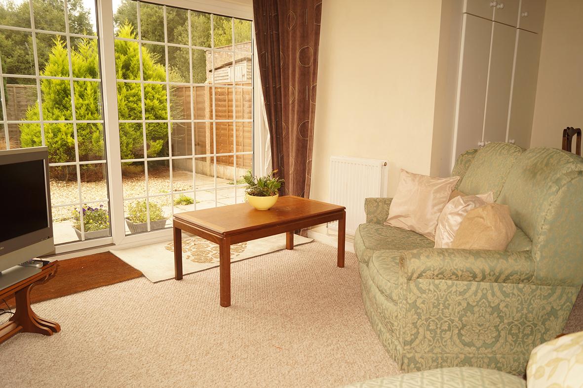 Lounge, patio doors to garden